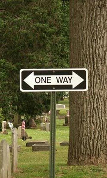 Confusing one-way sign
